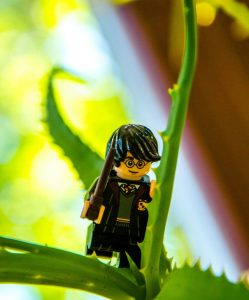 Harry potter wizard in lego